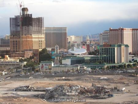 The New Frontier Hotel, Las Vegas, surrounded by The Palazzo, Wynn Encore and Echelon place construction sites